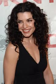Julianna Margulies - famouslefties.com