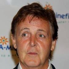 Paul McCartney - famouslefties.com
