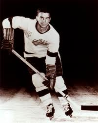 Ted Lindsay - famouslefties.com