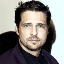 Jason Priestly - famouslefties.com