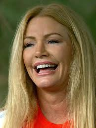 Shannon Tweed - famouslefties.com
